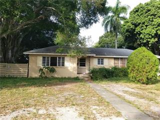2010 26th Street West, Bradenton, FL 34205