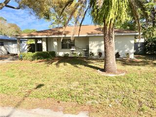 2817 Williamsburg St, Sarasota, FL 34231