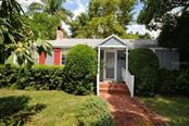 129 Edmondson Ave, Sarasota, FL 34242
