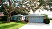 6812 Arbor Oaks Cir, Bradenton, FL 34209