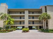 Expansive water and garden views - Condo for sale at 4500 Gulf Of Mexico Dr #206, Longboat Key, FL 34228 - MLS Number is A4188962