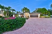 485 E Royal Flamingo Dr, Sarasota, FL 34236