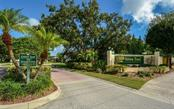 Single Family Home for sale at 4127 Green Tree Ave, Sarasota, FL 34233 - MLS Number is A4417996