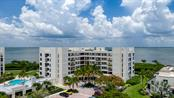 Convenient to the pool and clubhouse - Condo for sale at 2016 Harbourside Dr #352, Longboat Key, FL 34228 - MLS Number is A4470767
