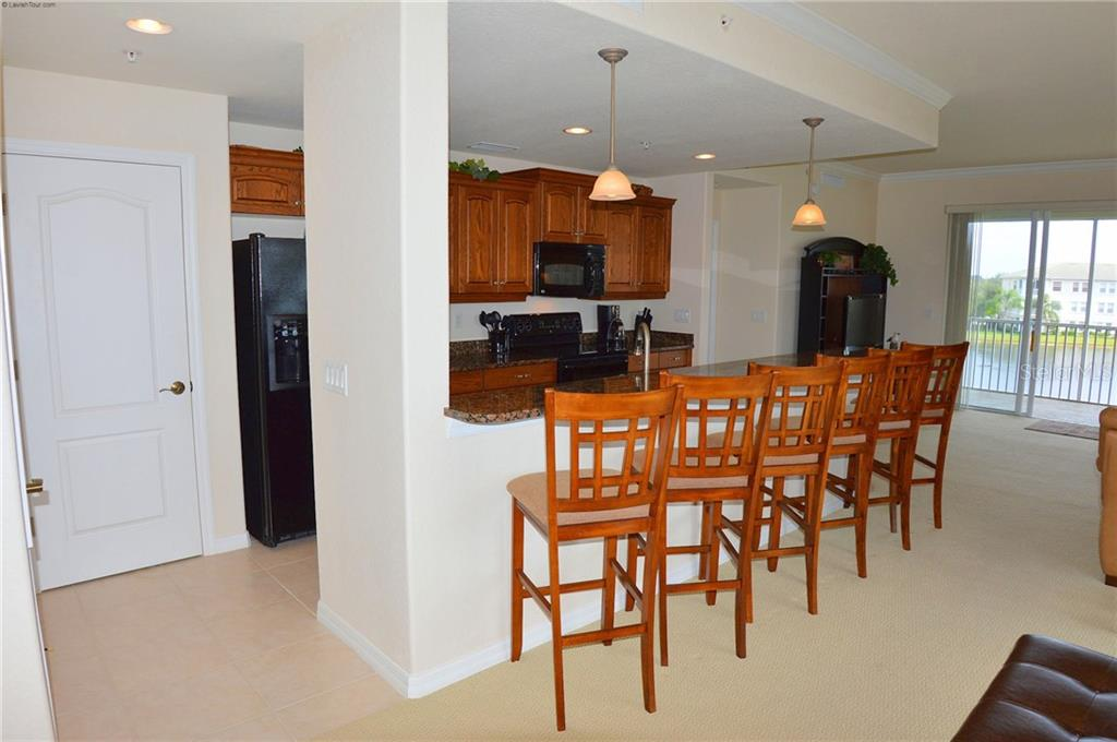 Breakfast Bar/Kitchen - Condo for sale at 1100 San Lino Cir #1134, Venice, FL 34292 - MLS Number is N5910364