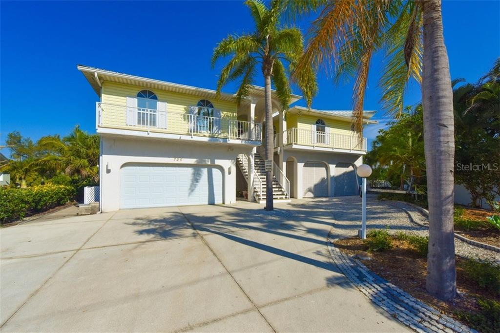 Front - Single Family Home for sale at 725 El Dorado Dr, Venice, FL 34285 - MLS Number is N5911780