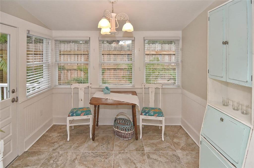Dining room - Single Family Home for sale at 732 Eagle Point Dr, Venice, FL 34285 - MLS Number is N5913211