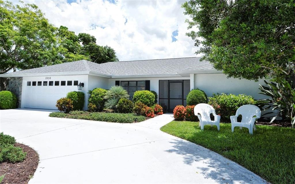 Front Entrance - Single Family Home for sale at 1930 Innisbrook Ct, Venice, FL 34293 - MLS Number is N5913572