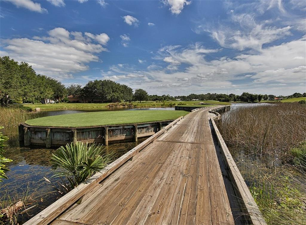 Golf course - Single Family Home for sale at 214 Vestavia Dr, Venice, FL 34292 - MLS Number is N5913794