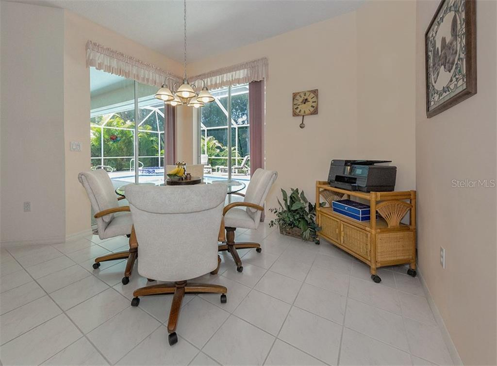 Dinette - Single Family Home for sale at 577 Park Estates Sq, Venice, FL 34293 - MLS Number is N5914129