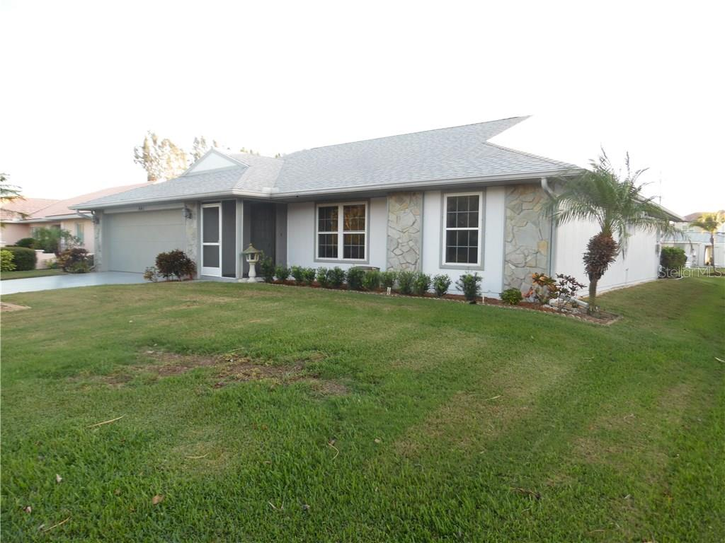 front elevation - Single Family Home for sale at 441 Baynard Dr, Venice, FL 34285 - MLS Number is N5915507
