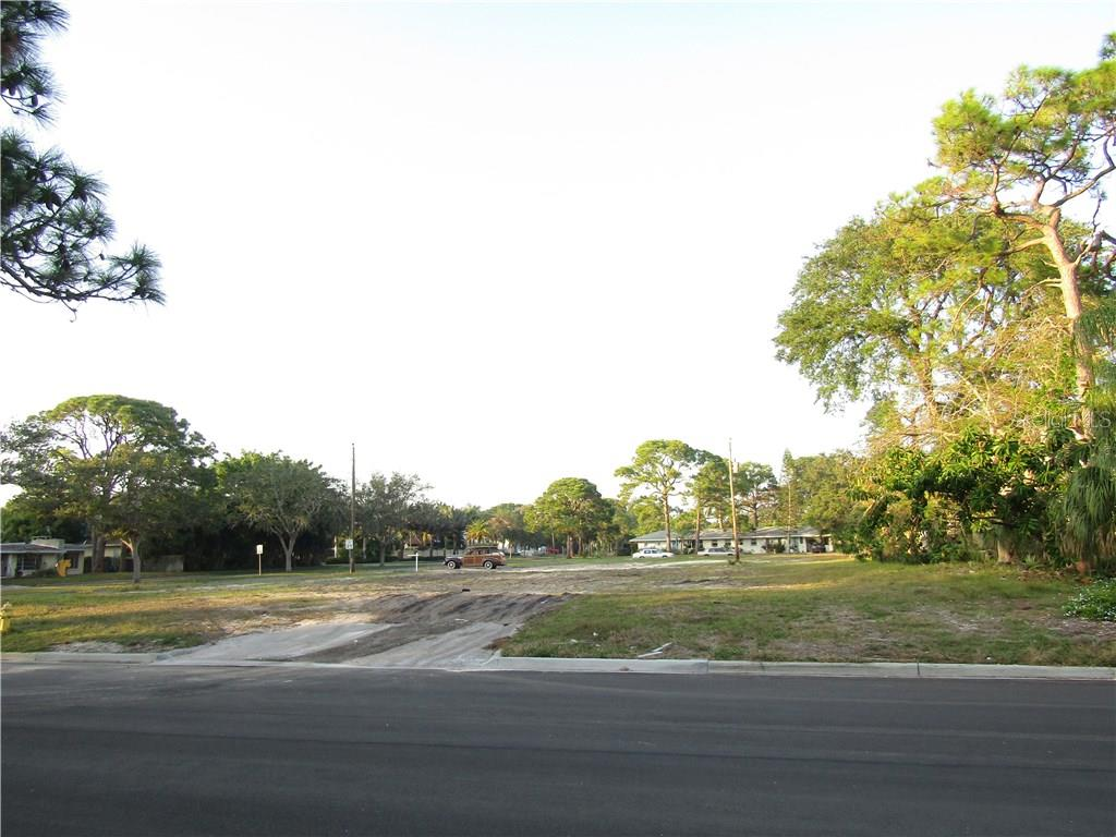 Vacant Land for sale at 235 Park Blvd S, Venice, FL 34285 - MLS Number is N5915594