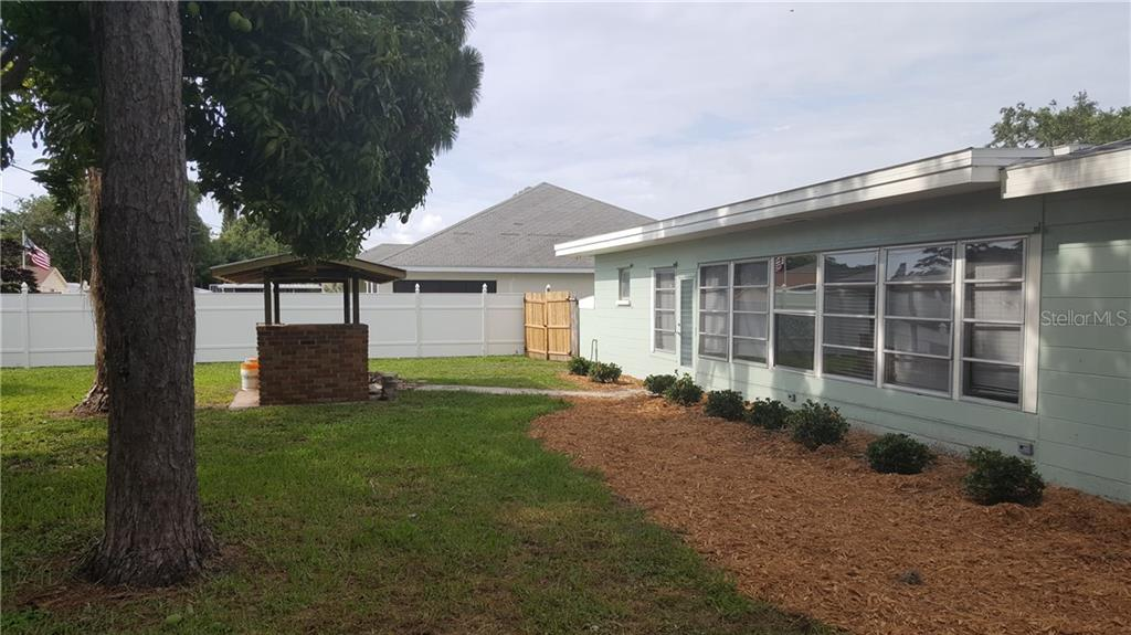 Single Family Home for sale at 1019 Venetian Pkwy, Venice, FL 34285 - MLS Number is N5916480