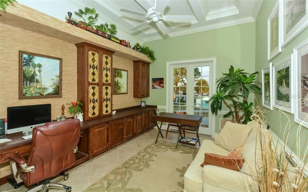 Master suite - Single Family Home for sale at 1472 Lemon Bay Dr, Englewood, FL 34223 - MLS Number is N5916781