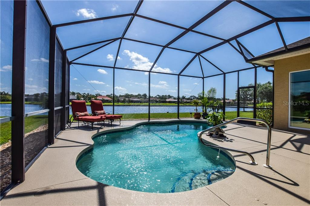 Single Family Home for sale at 19811 Cobblestone Cir, Venice, FL 34292 - MLS Number is N6100103