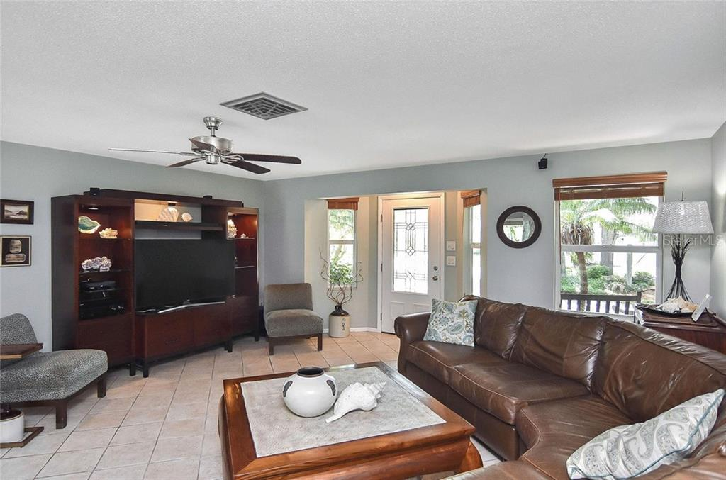 New Supplement - Single Family Home for sale at 404 Pine Road, Nokomis, FL 34275 - MLS Number is N6100811