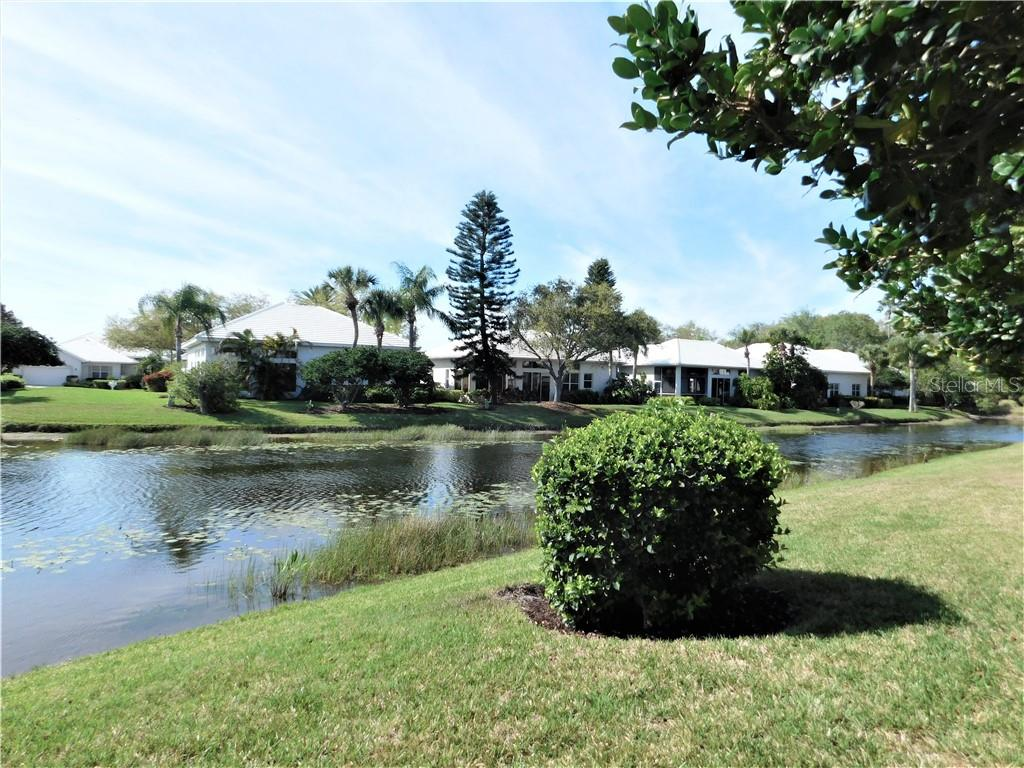 Villa for sale at 659 Crossfield Cir #5, Venice, FL 34293 - MLS Number is N6102475
