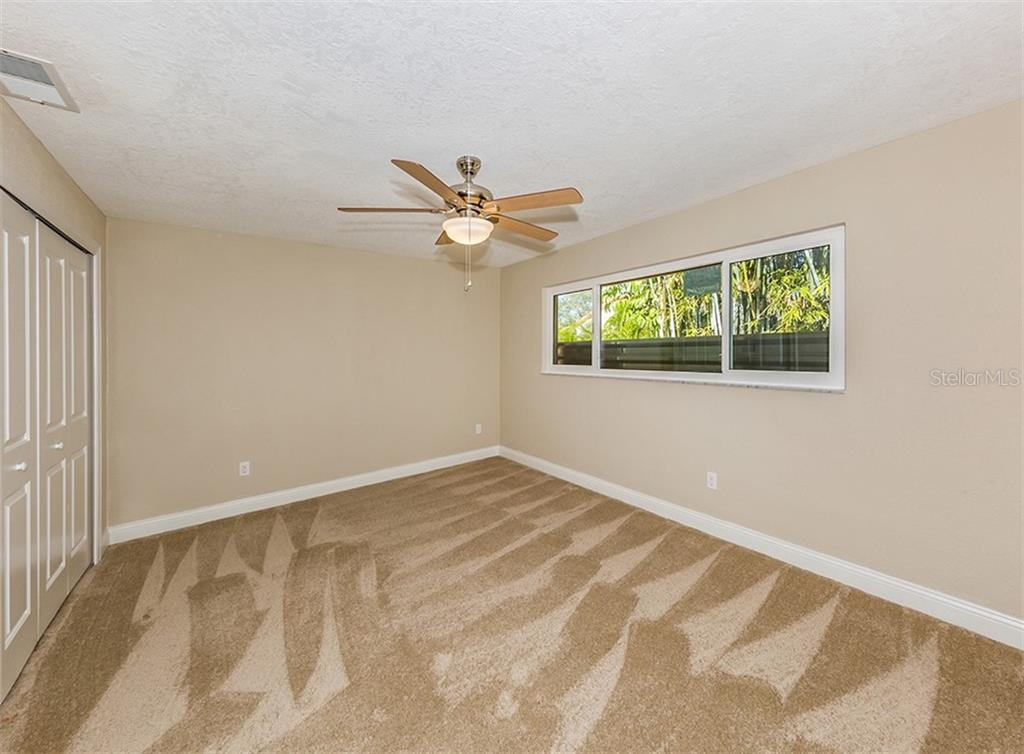 Bedroom 4 - Single Family Home for sale at 425 Harbor Dr S, Venice, FL 34285 - MLS Number is N6103861