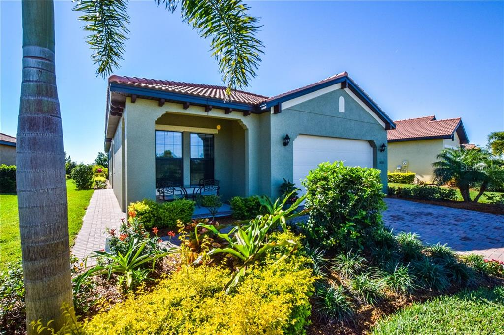 Single Family Home for sale at 10333 Crooked Creek Dr, Venice, FL 34293 - MLS Number is N6104052