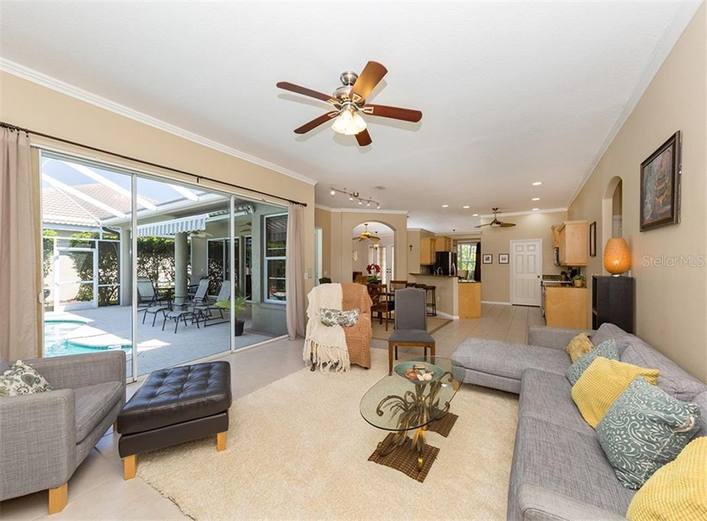 Interior layout - Single Family Home for sale at 129 Wayforest Dr, Venice, FL 34292 - MLS Number is N6105216