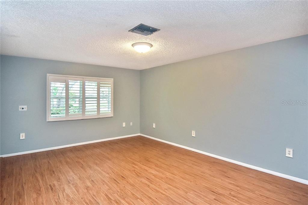 Living room - Single Family Home for sale at 1139 Ketch Ln, Venice, FL 34285 - MLS Number is N6105656