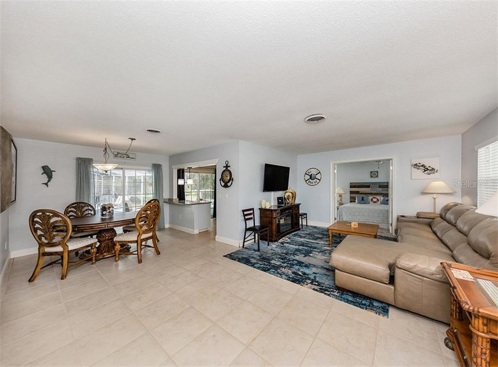 Interior layout - Single Family Home for sale at 409 Darling Dr, Venice, FL 34285 - MLS Number is N6105760