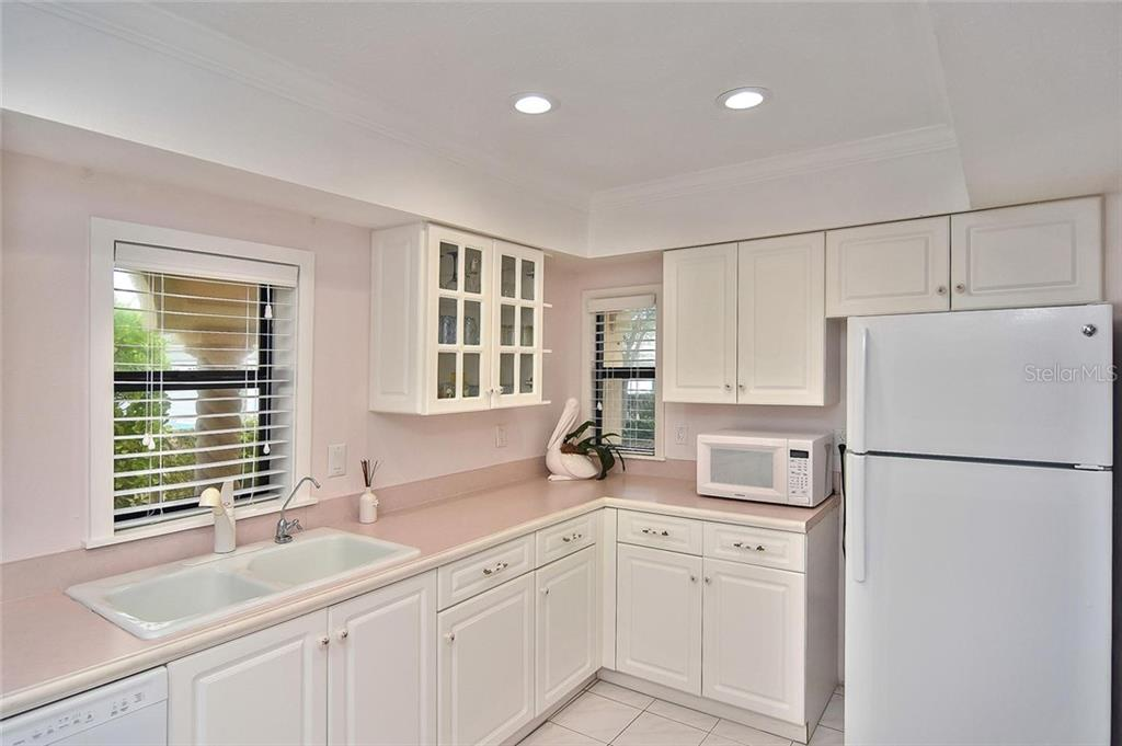 Kitchen - Condo for sale at 718 Golden Beach Blvd #3, Venice, FL 34285 - MLS Number is N6107011