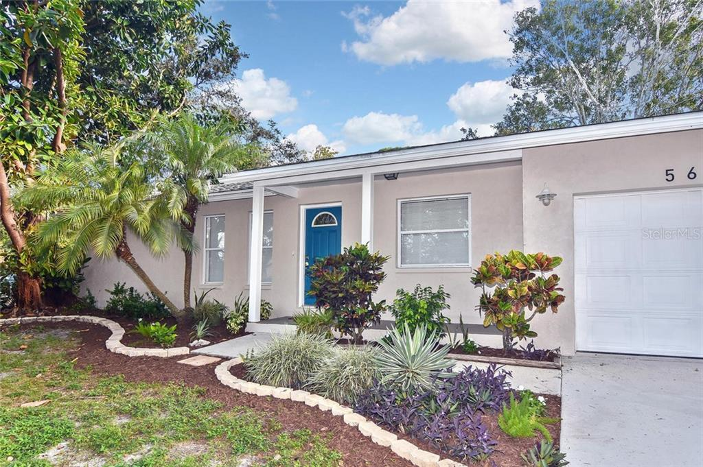 Front entry - Single Family Home for sale at 5681 Hale Rd, Venice, FL 34293 - MLS Number is N6107822