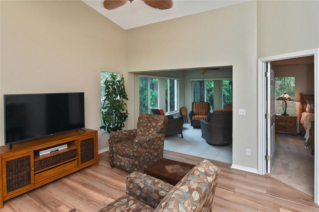 Kitchen - Condo for sale at 817 Montrose Dr #201, Venice, FL 34293 - MLS Number is N6107943