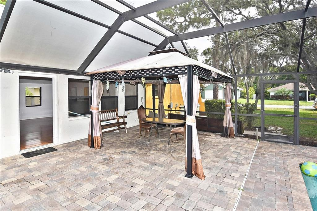 Pool area - Single Family Home for sale at 615 Lehigh Rd, Venice, FL 34293 - MLS Number is N6108175