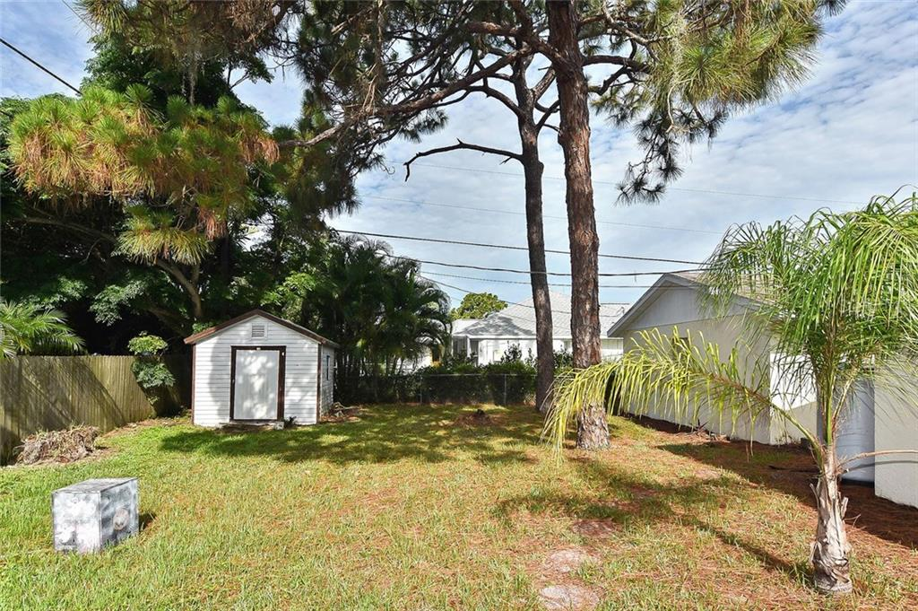 Yard - Single Family Home for sale at 615 Lehigh Rd, Venice, FL 34293 - MLS Number is N6108175