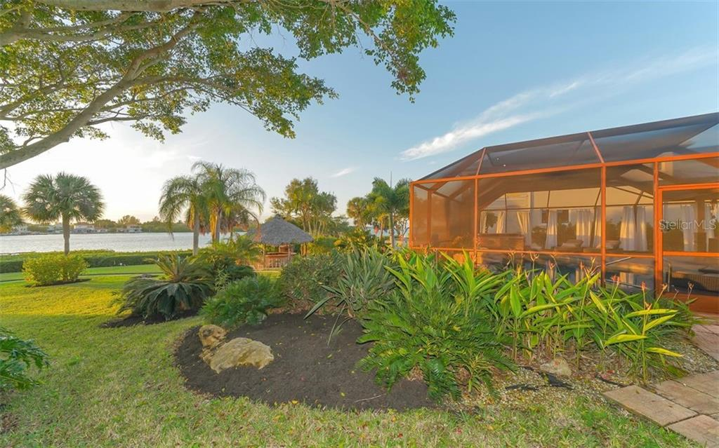 Back yard and ICW - Single Family Home for sale at 925 Bayshore Rd, Nokomis, FL 34275 - MLS Number is N6108586