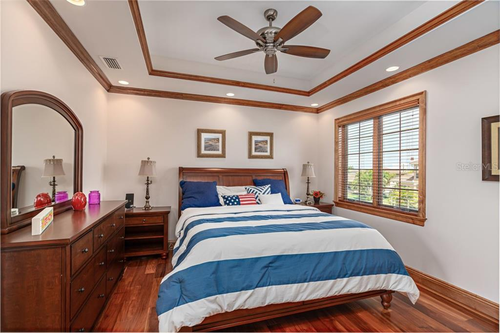 #3 master Suite on 2nd Floor - Single Family Home for sale at 510 Bowsprit Ln, Longboat Key, FL 34228 - MLS Number is N6110334