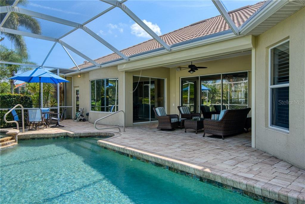 Pool/lanai - Single Family Home for sale at 953 Chickadee Dr, Venice, FL 34285 - MLS Number is N6111180