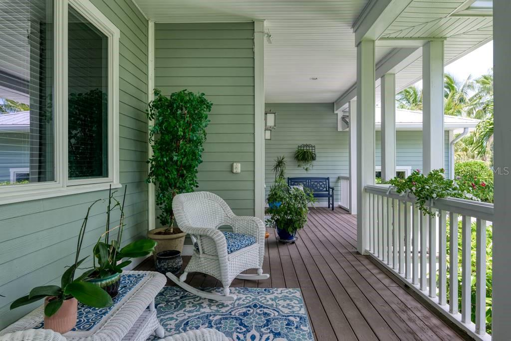 Front porch - Single Family Home for sale at 725 Eagle Point Dr, Venice, FL 34285 - MLS Number is N6111842