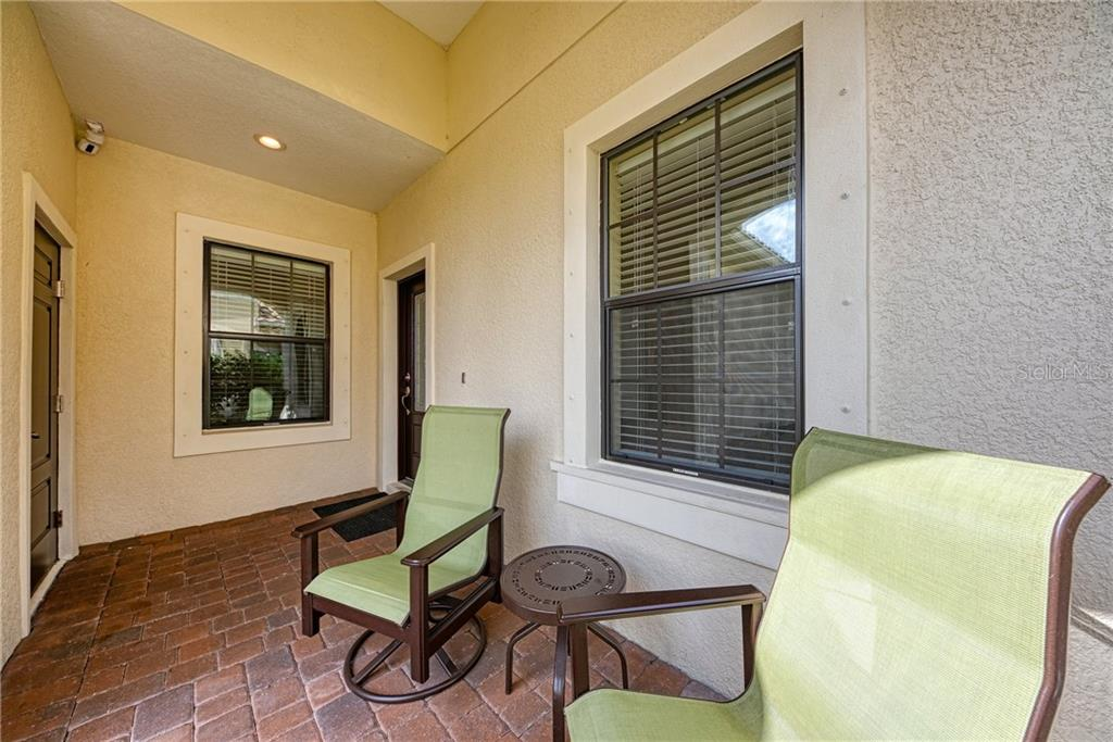 Front Porch - Villa for sale at 11433 Okaloosa Dr, Venice, FL 34293 - MLS Number is N6113314