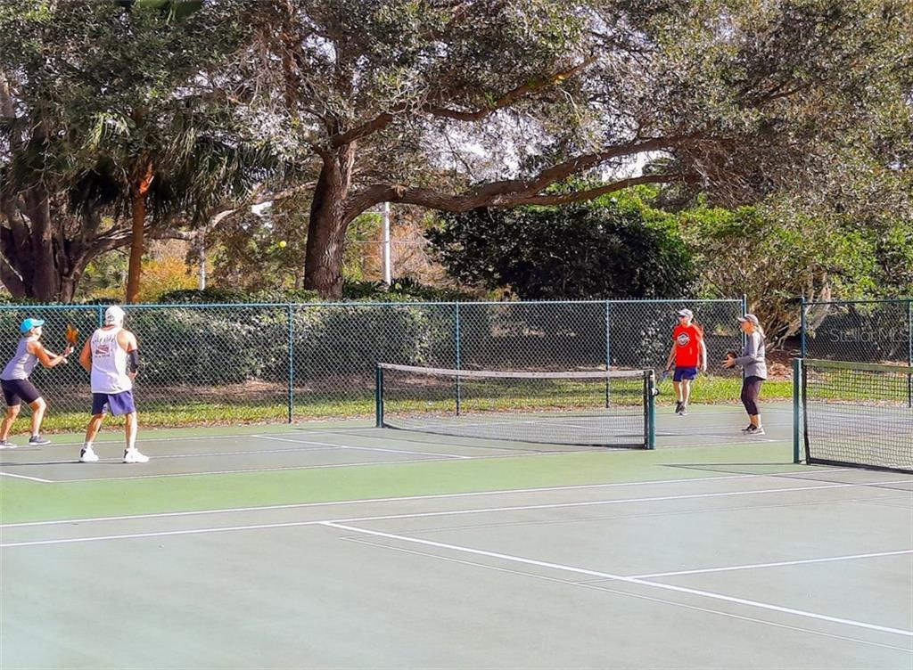 Pickleball courts - Condo for sale at 406 Laurel Lake Dr #203, Venice, FL 34292 - MLS Number is N6113915