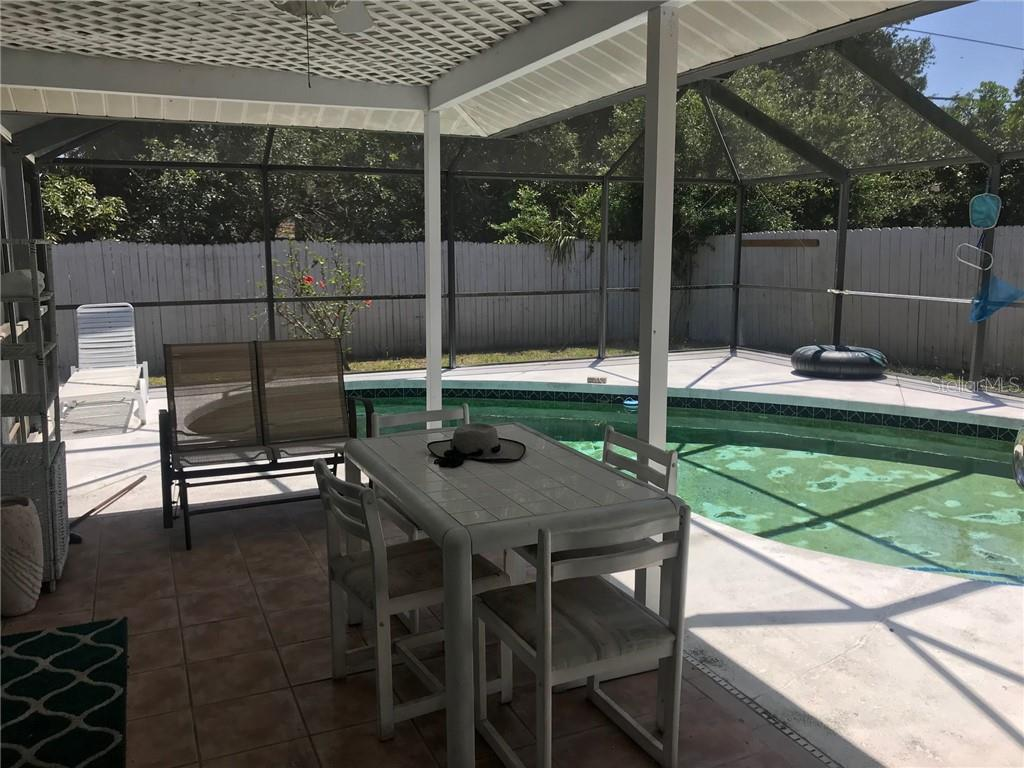 Totally fenced in back yard - Single Family Home for sale at 428 Briarwood Rd, Venice, FL 34293 - MLS Number is N6114917