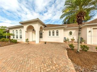 630 Madrid Ave, Venice, FL 34285