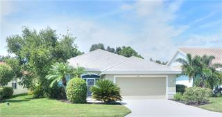 445 Pinewood Lake Dr, Venice, FL 34285