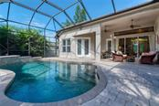 Pool, lanai - Single Family Home for sale at 633 Apalachicola Rd, Venice, FL 34285 - MLS Number is N6102111