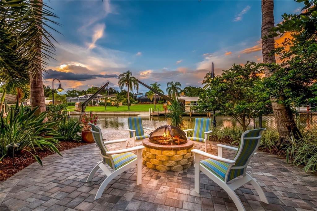 Additional photo for property listing at 260 Capstan Dr 260 Capstan Dr Cape Haze, Флорида,33946 Соединенные Штаты