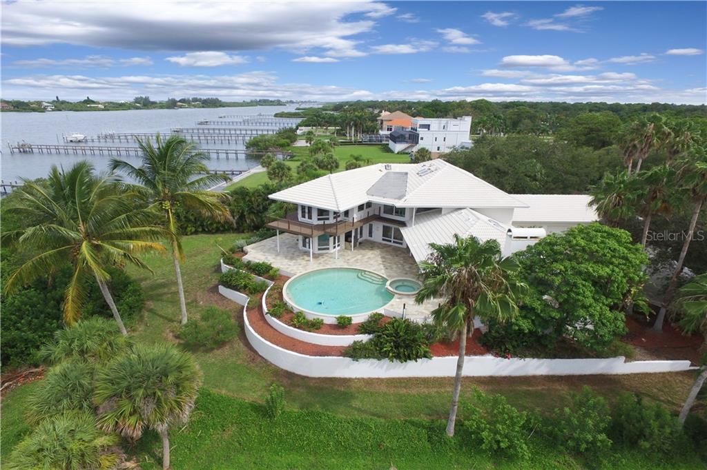 Additional photo for property listing at 1850 Bayshore Dr 1850 Bayshore Dr Englewood, Florida,34223 États-Unis