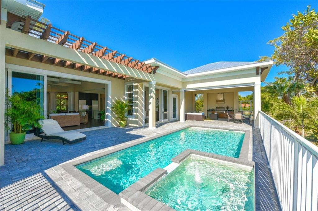 Additional photo for property listing at 6540 Gulf Of Mexico Dr  Longboat Key, Florida,34228 United States