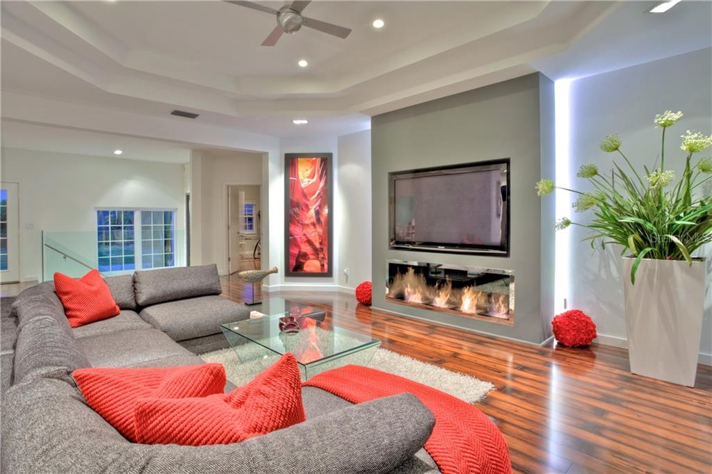 Additional photo for property listing at 5016 64th Dr W 5016 64th Dr W Bradenton, 佛羅里達州,34210 美國