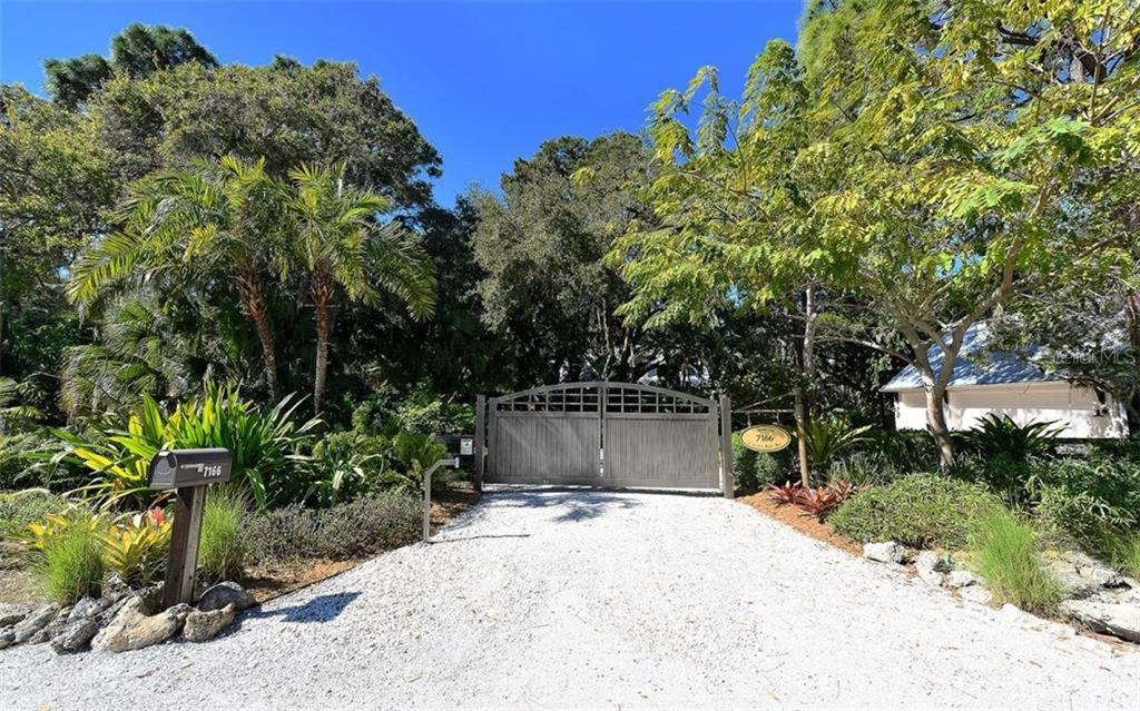 Single Family Home for sale at 7166 Captain Kidd Ave, Sarasota, FL 34231 - MLS Number is A4177879