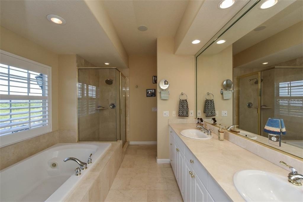 Additional photo for property listing at 12413 Baypointe Ter 12413 Baypointe Ter Cortez, Флорида,34215 Соединенные Штаты