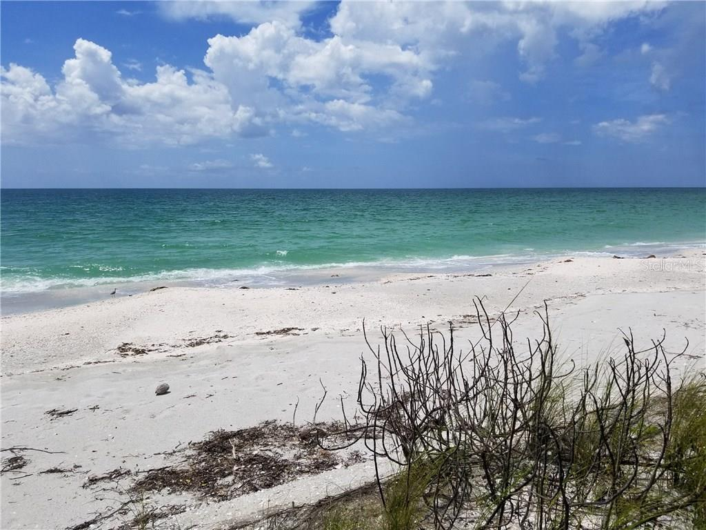 Additional photo for property listing at 332 N Casey Key Rd 332 N Casey Key Rd Osprey, Florida,34229 États-Unis