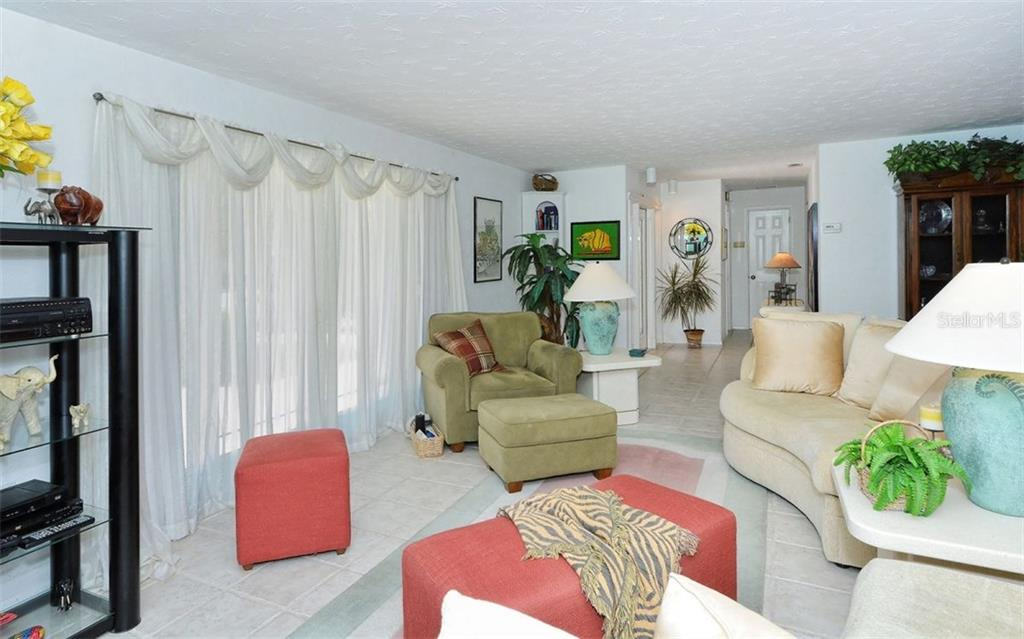 Additional photo for property listing at 465 E Royal Flamingo Dr  Sarasota, Florida,34236 United States