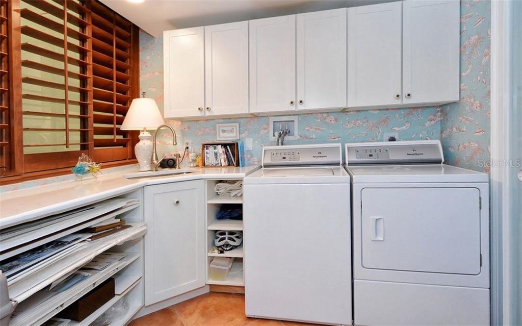 Additional photo for property listing at 2110 Harbourside Dr #525 2110 Harbourside Dr #525 Longboat Key, Florida,34228 États-Unis